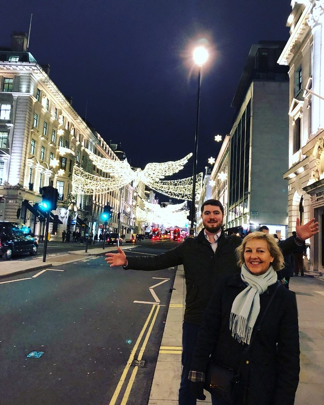 Enjoying the lights of London! 🇬🇧
