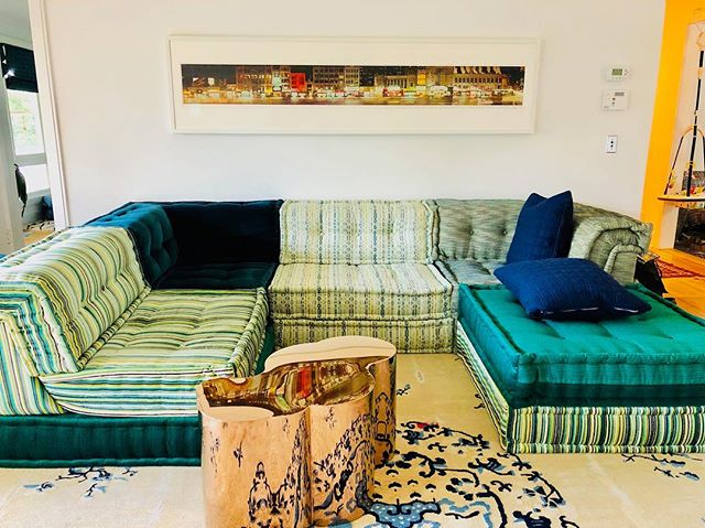 I love green.  I love furniture that has personal meaning to the client.  I love a willingness to go bold.  #happystpatricksday #gogreen #annaliinteriors #boldinteriors #rochebobois Thanks @electraeggleston for going bold!
