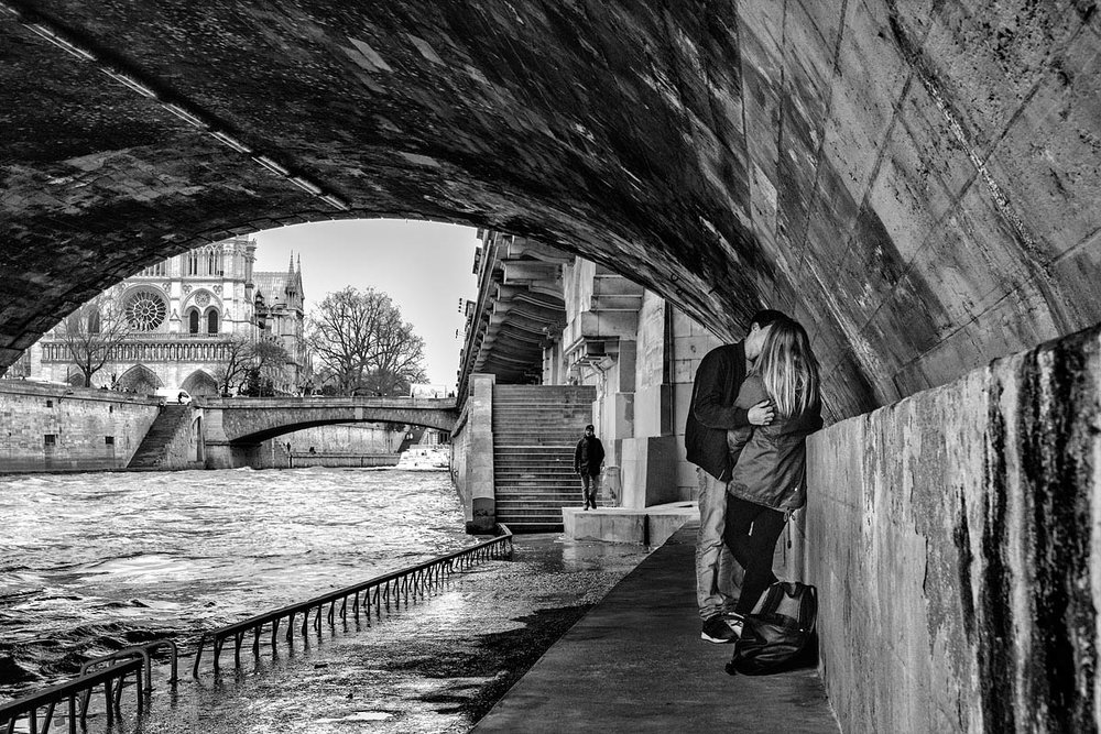 The Seine kiss