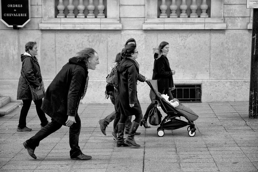 The mime and the stroller