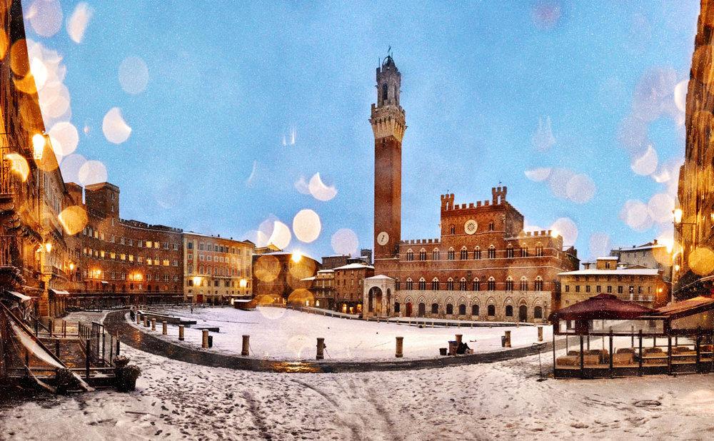 Snow on Piazza del Campo