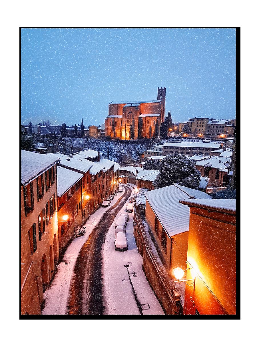 Falling snow on San Domenico church