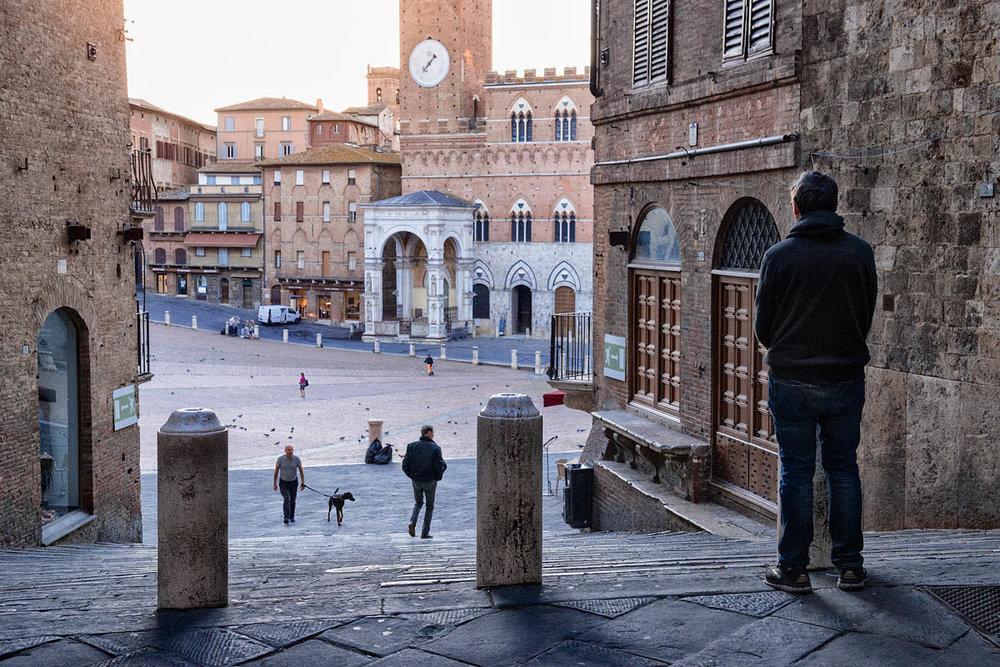 Mi guarda Siena, mi guarda sempre...