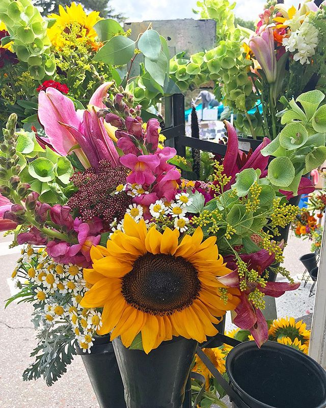 Just buy me flowers and tell me I'm pretty... #farmersmarketflowers @zephyrosfarmandgarden