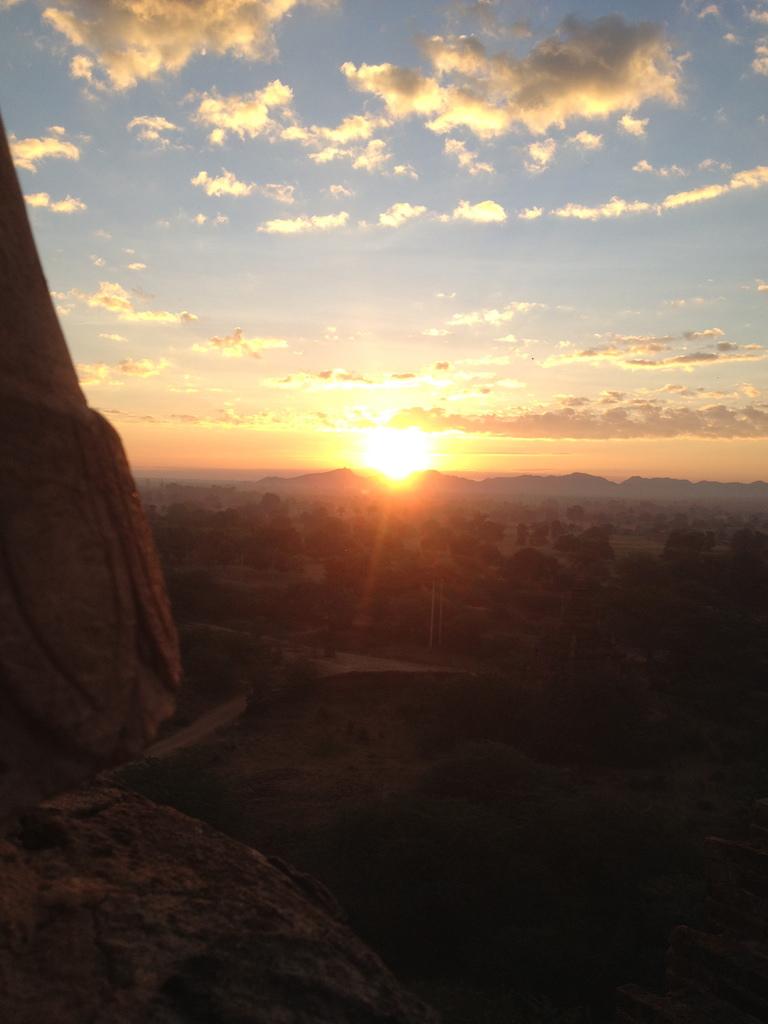 myanmar_bagan_sunset.jpg