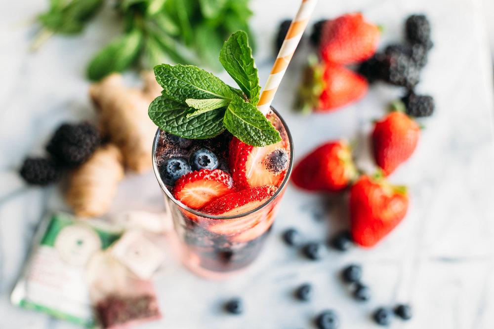 DIY starbucks berry refresher-4.jpg