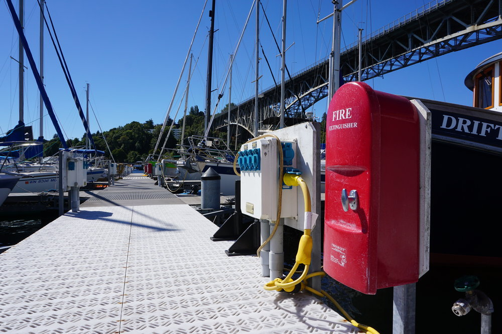 Metered electricity is one of the amenities that Northlake Marina offers