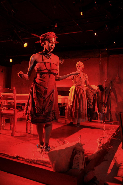 Amandla Jahava as UKHOKHO, Kineta Kunutu as CHRISTINE