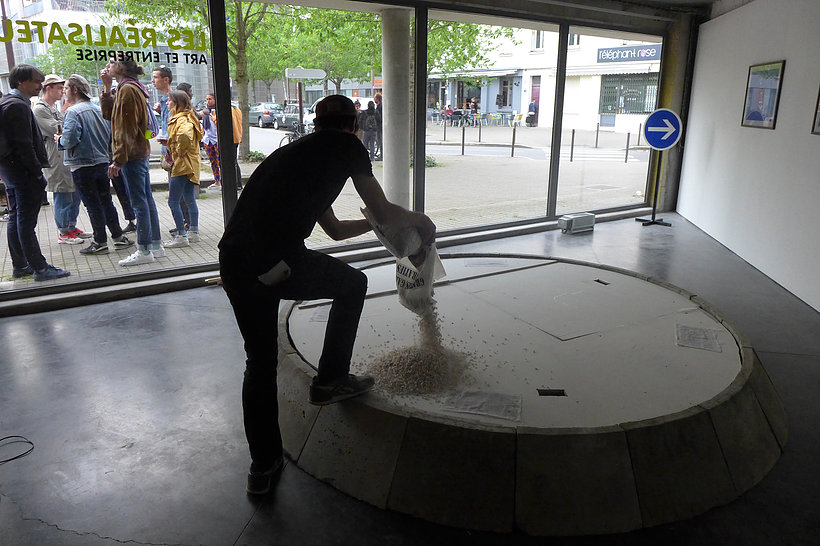 Antonin Gerson,  La construction du rond-point , Exposition Climax, Galerie François II, Nantes, France, 2016
