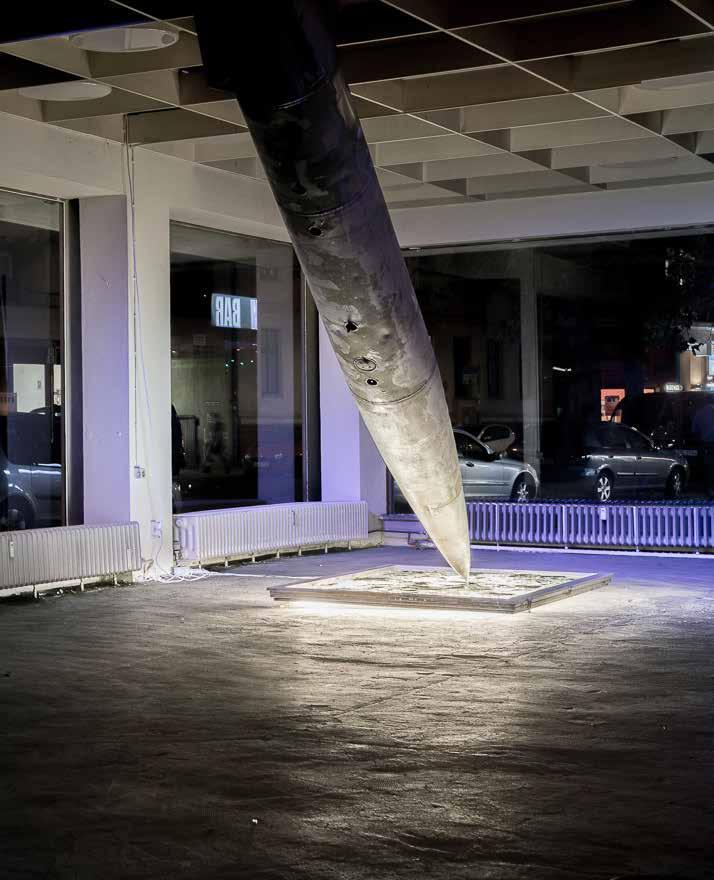 Rocket Destruction , 2016, Exhibition view :  La tête dans les nuages , Neu West Berlin