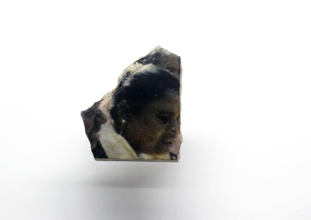 Edouard Burgeat,  L'inde en quelques pierres,  2018, Photographie argentique transférée sur marbre,  Fish market