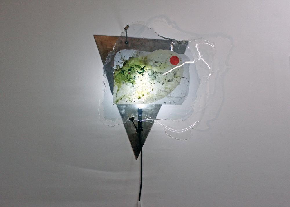 Edouard Burgeat,  The End,  techniques mixtes, papier, résine epoxy, acier, néon, 70x60cm, 2017