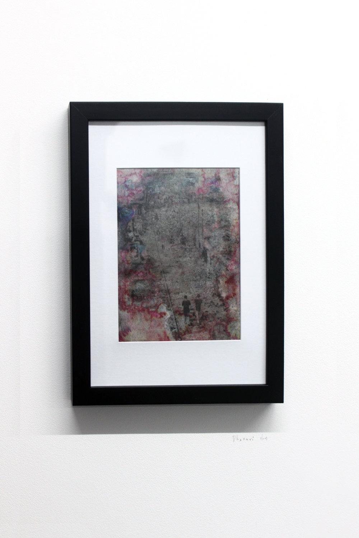 Edouard Burgeat, Train rails acid fragments, Dharavi slum, photographie argentine transférée sur acier, 21x15cm