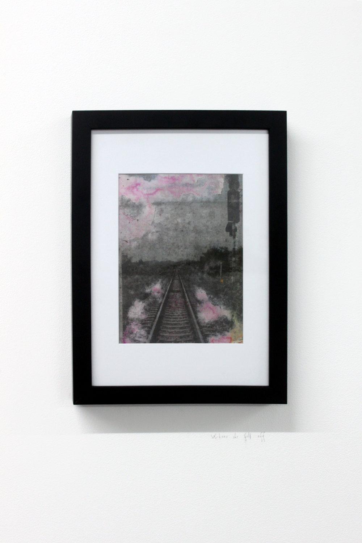 Edouard Burgeat, Train rails acid fragments, When she fell off, photographie argentine transférée sur acier, 21x15cm