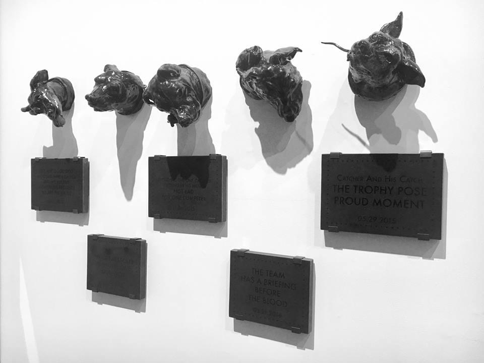 Céleste Richard Zimmermann,  From Dogs to Gods,  2016  -  2017 ,  7 céramiques émaillées (environ 60cm) et 5 plaques de granit sérigraphiées encore offset, attaches mural en métal