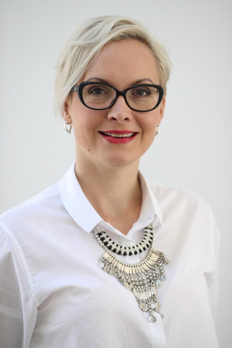 Karolina Lukaszewicz in treat.jpg