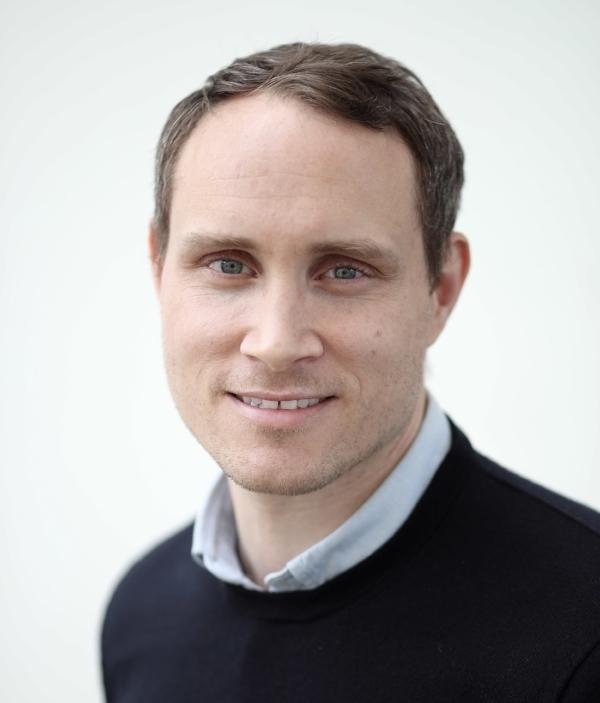 Oliver Thomson Profile pic.JPG