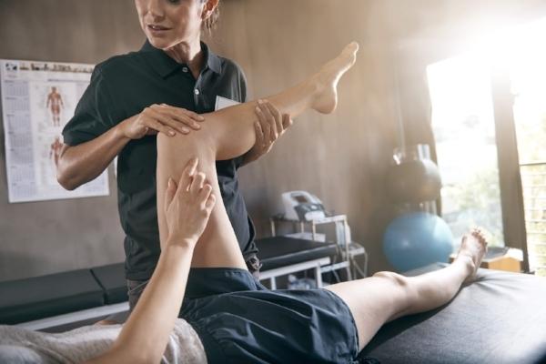 Physical+Therapist+leg.jpg