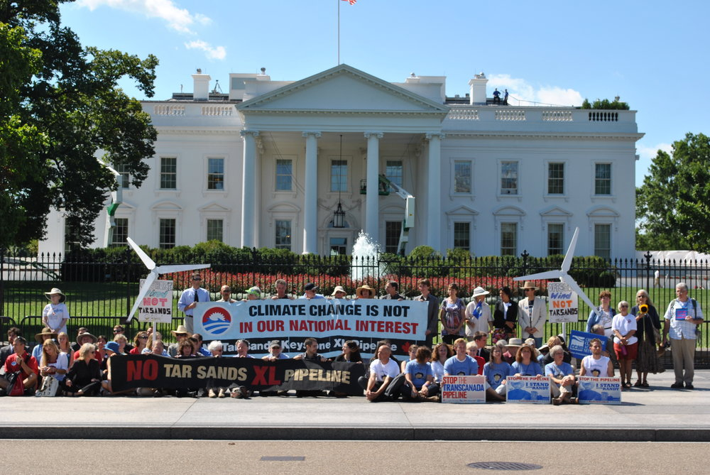 Protests_against_Keystone_XL_Pipeline_for_tar_sands_at_White_House,_2011.jpg
