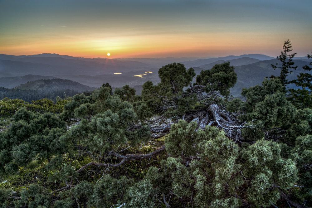 views-from-cascade-siskiyou-national-monument----sunset_17241352818_o.jpg
