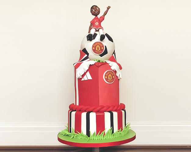 The Uefaltimate Manchester United Birthday Cake Manchester Cake Co