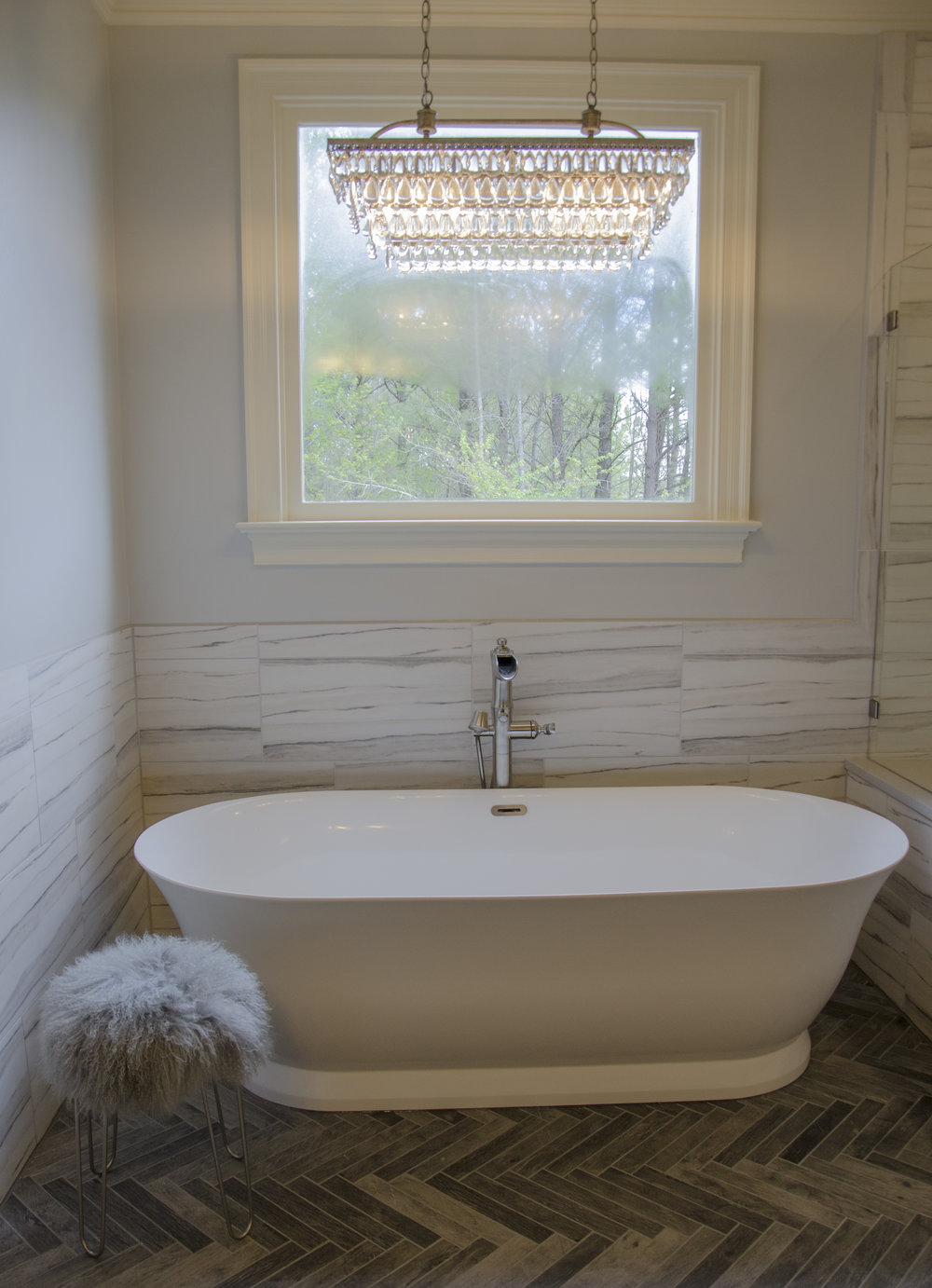 Portrait_Tub_Window.jpg