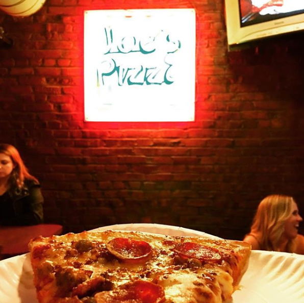 Joe's Pizza. Photo by @kansascityfoodiefinds