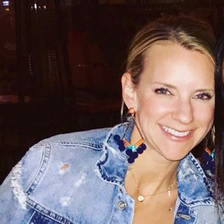 Mindy Hargesheimer - Mindy is an avid explorer and adventurist, and when she can't travel the globe, she travels her way around Kansas City, crossing each and every noteworthy spot off her bucket list. With a mantra in life of