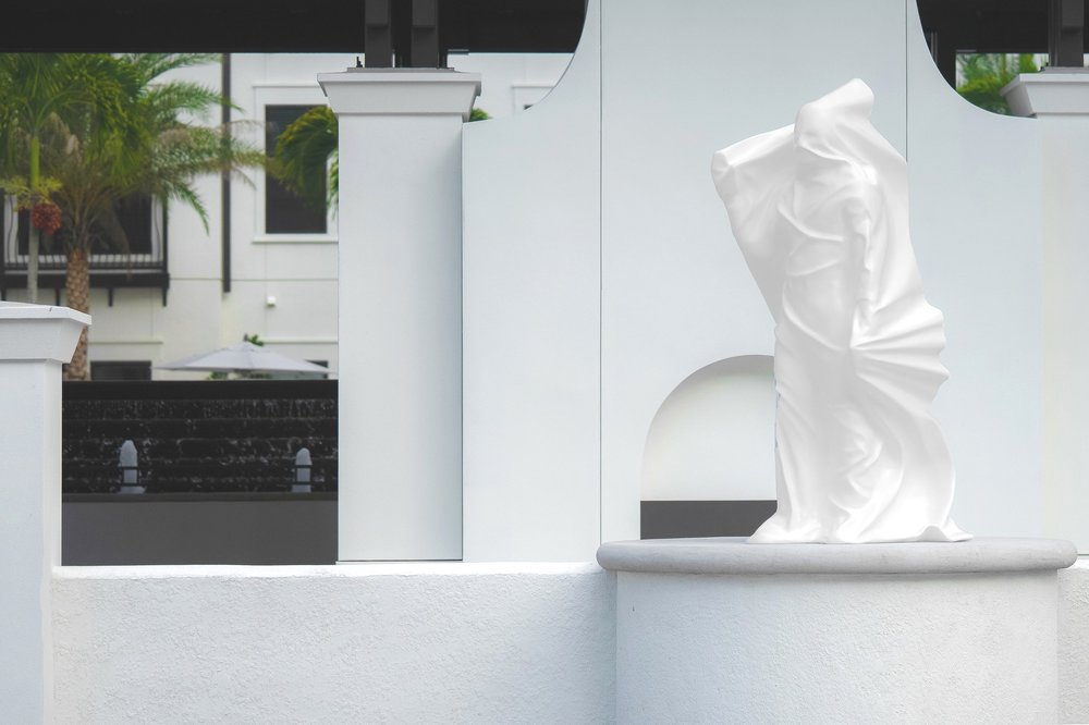 Arcos_GrandOpen_unveiled-Arsham-sculpture