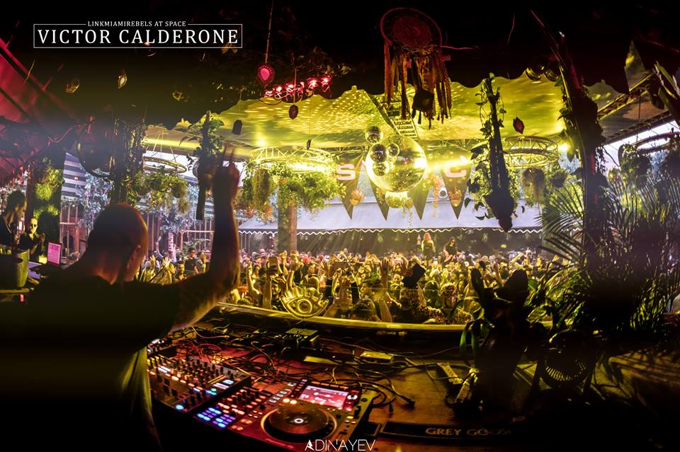 Victor Calderone / Jan 19