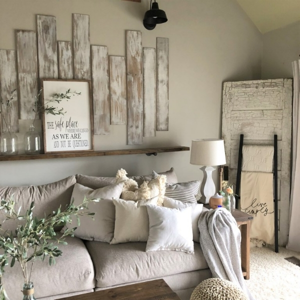 livingroomchelsey.jpg