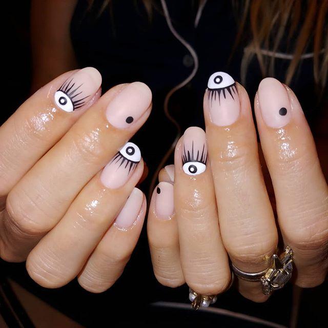 #eyes 👀 #nails 💅 #miami 🌞 🌴