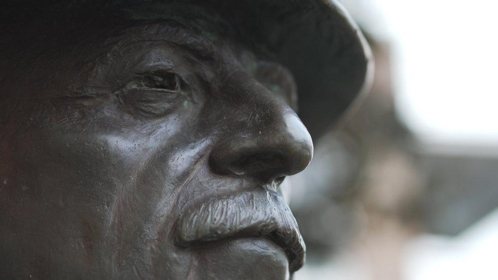 WF statue medium close.jpg