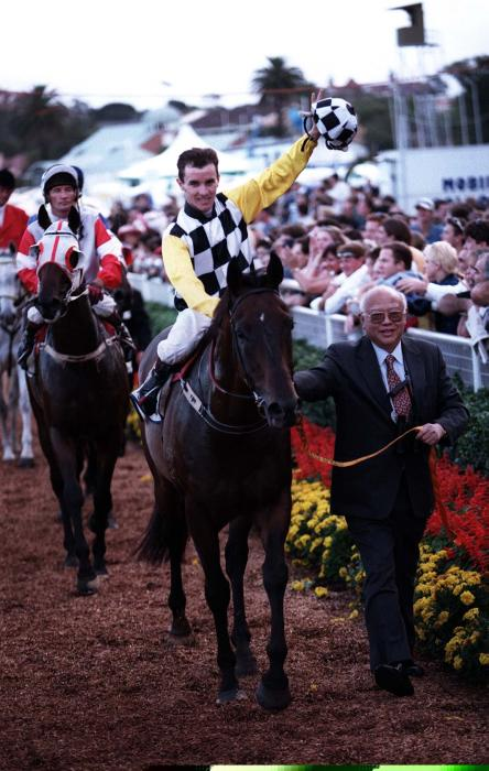 Dato Tan leads 1998 Doncaster Mile winner, Catalan Opening back to the winners stall