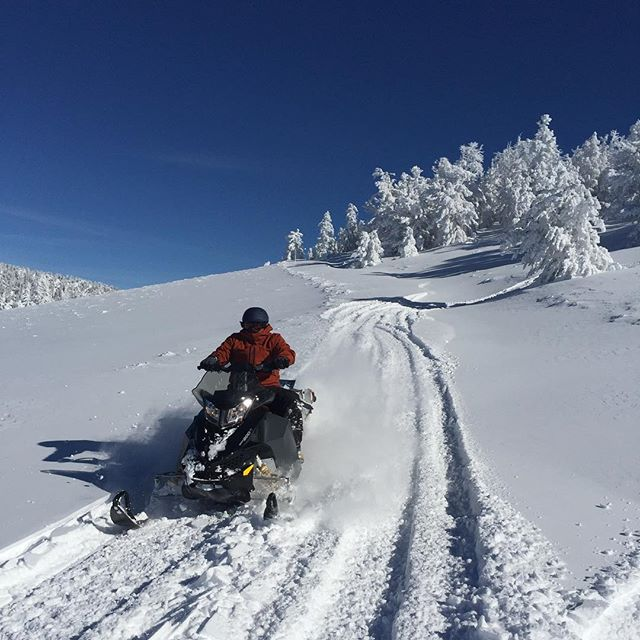 You want #epic. How about #snowmobile access #powderturns all day? We got that! #backcountry #skiing #snowboarding #visitelynevada #getelevated #greatoutdoors #mountains #mountaintown #picoftheday #mountainlife #explore #nature #nevada #optoutside #howtonevada @travelnevada @skidooofficial @ponyexpressnevada @_james_adamson_