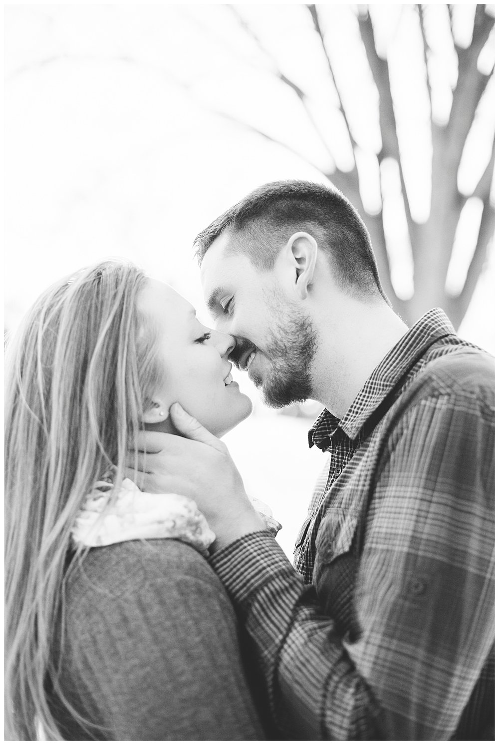 bphotography_winter_siouxfallsweddingphotographer_halfbakedengagementsession_0017.jpg