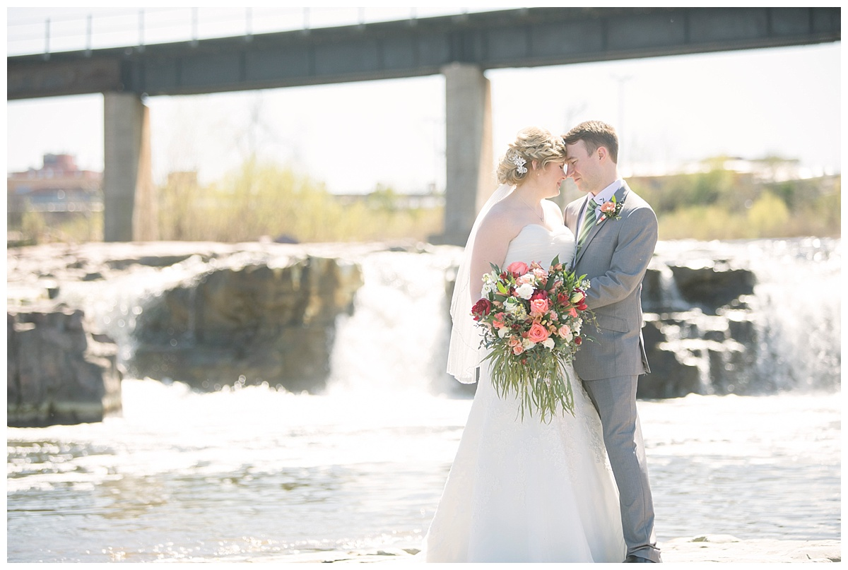 Alli + Andrew | Downtown Sioux Falls, SD Wedding — Bethany Melvin ...