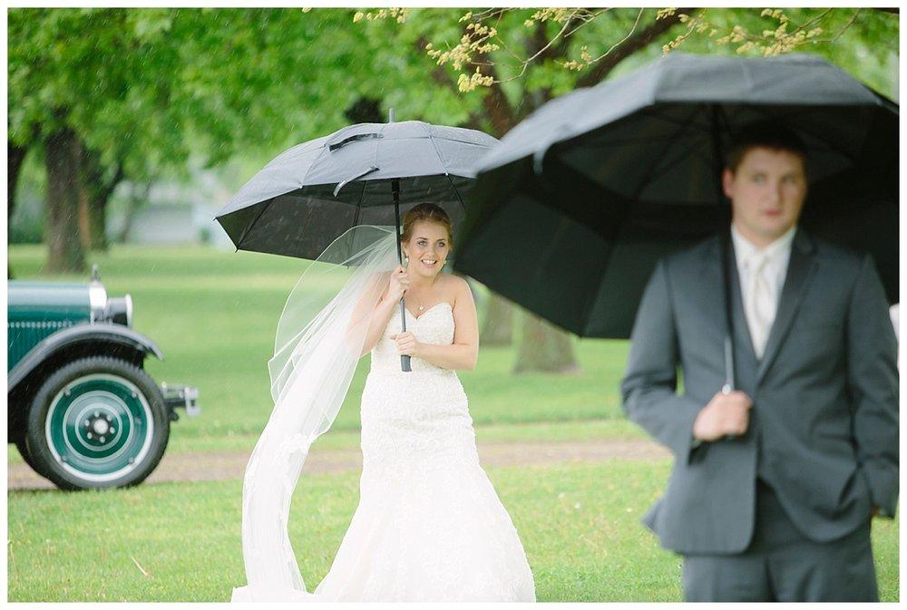 TannerAmy_RainyWedding_BethanyMelvinPhotography_0017.jpg