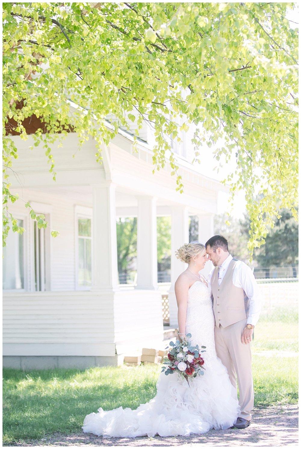 SiouxCenterIowa_HeritageVillageWedding_BethanyMelvinPhotography_Iowa_0033.jpg
