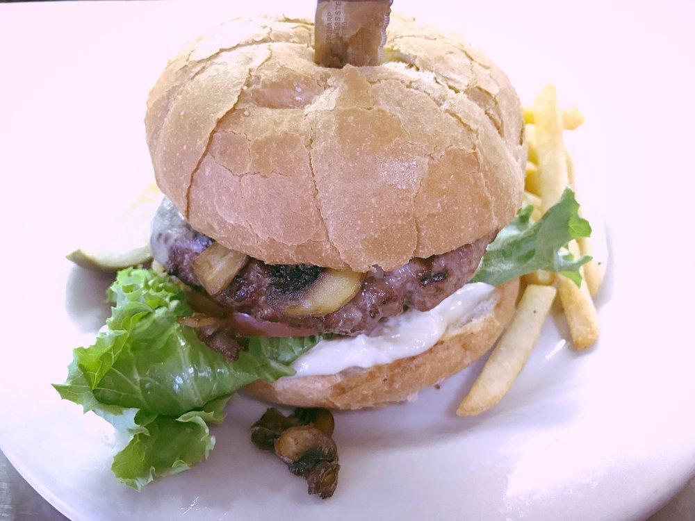 Mushroom Swiss Cheeseburger