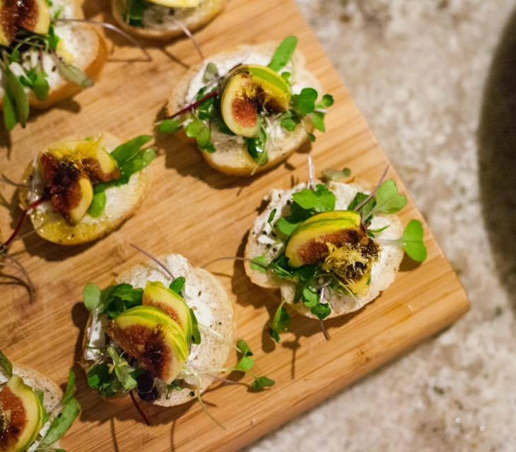 FIG + GOAT CHEESE BRUSCHETTA