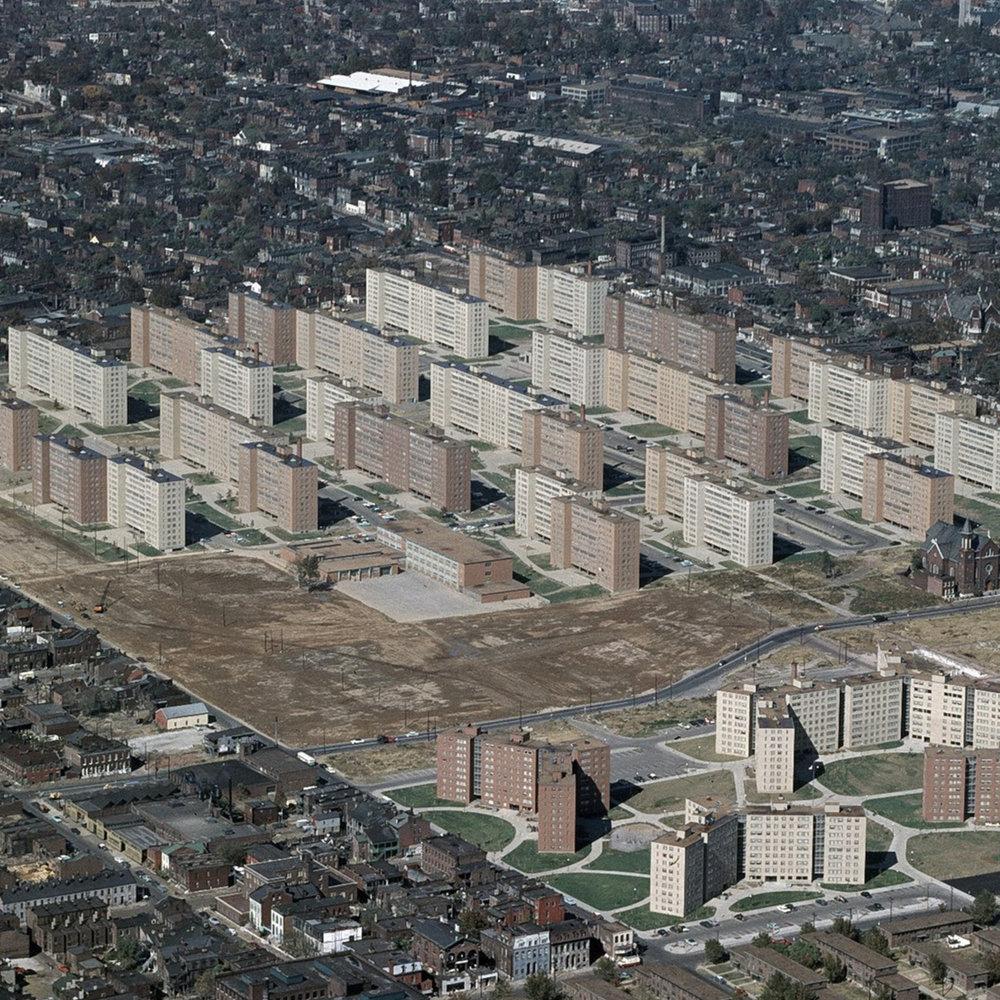 Pruitt-Igoe Housing Complex/ United States Geological Survey (Public Domain)