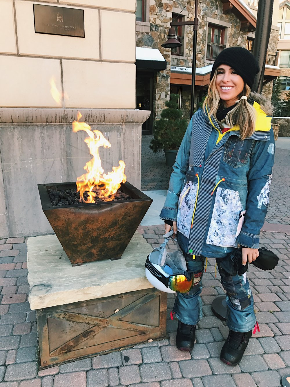 Kelley Fertitta in a snoboarding outfit
