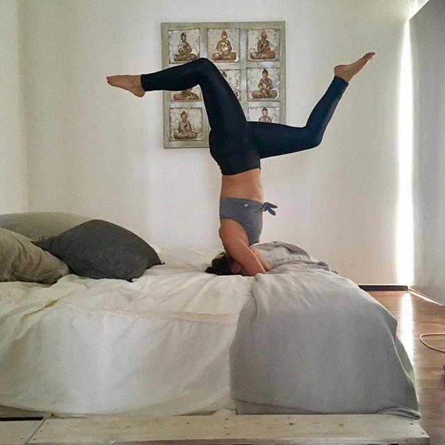 Sleeping in this Sunday?... 💤  #sleepysunday #yoga featuring: @danywellness