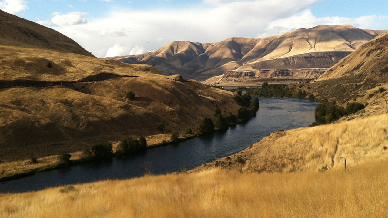The Deschutes River just above Moody Rapids. Photo by Brian O'Keefe.