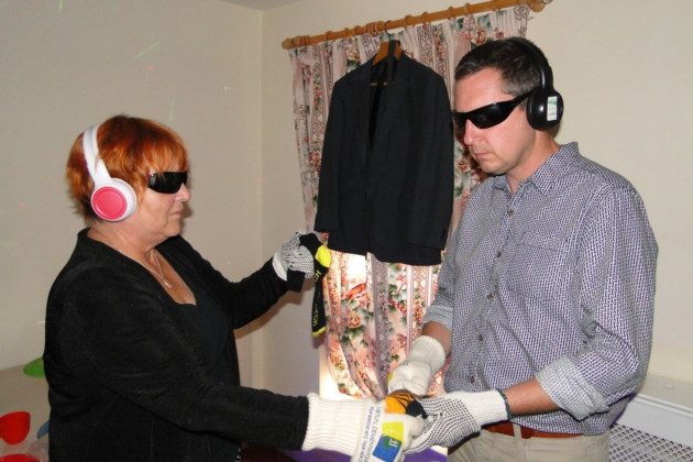 Two participants experiencing what dementia is like.