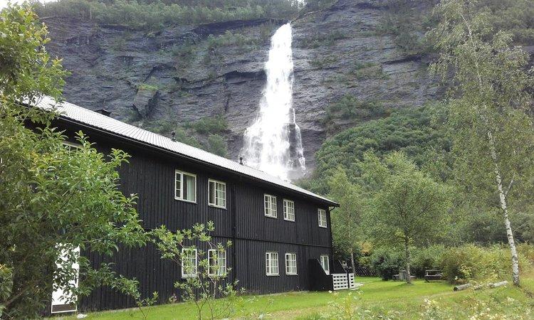 Vassbakken+skjolden+vandrerhjem+sognefjorden3.jpg