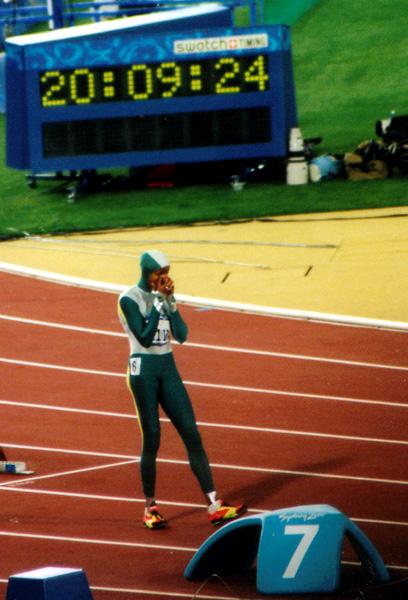Av alla mästerskapen jag gjort så är OS i Sydney det största jag upplevt. Australien, år 2000 och OS det blir inte mycket större än så. Catty Freeman tände elden och är urinvånare i Australien, hela landet eller jag skulle vilja säga hela världen ville att hon skulle vinna. En magisk stämning i arenan med mycket förväntningar och att få uppleva detta på plats var lika magiskt och detta är min största idrottsupplevelse. Se henne med denna press på sig springa över mållinjen och vinna var stort.