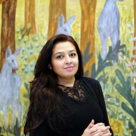 Mahmona Khan er aktuell med barneboken Epletreet, som handler om å vokse opp og finne sin plass blant andre.