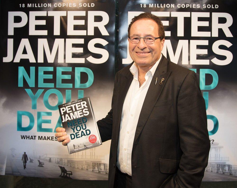 Peter James under den britiske lanseringen av Død manns tid